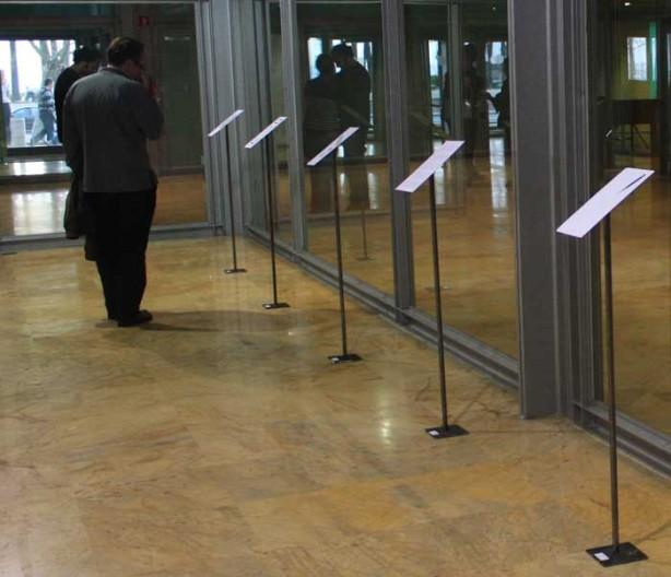 exposición de SUTURAS DE ARTE CORREO poesía visual